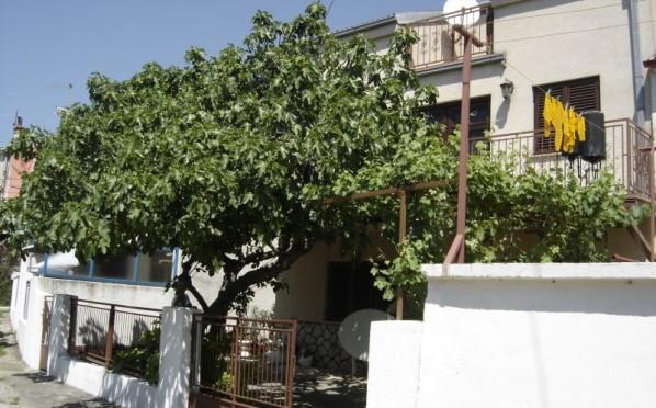 Kuća/House/Novi Vinodolski/centre/160m2/ € 135.000