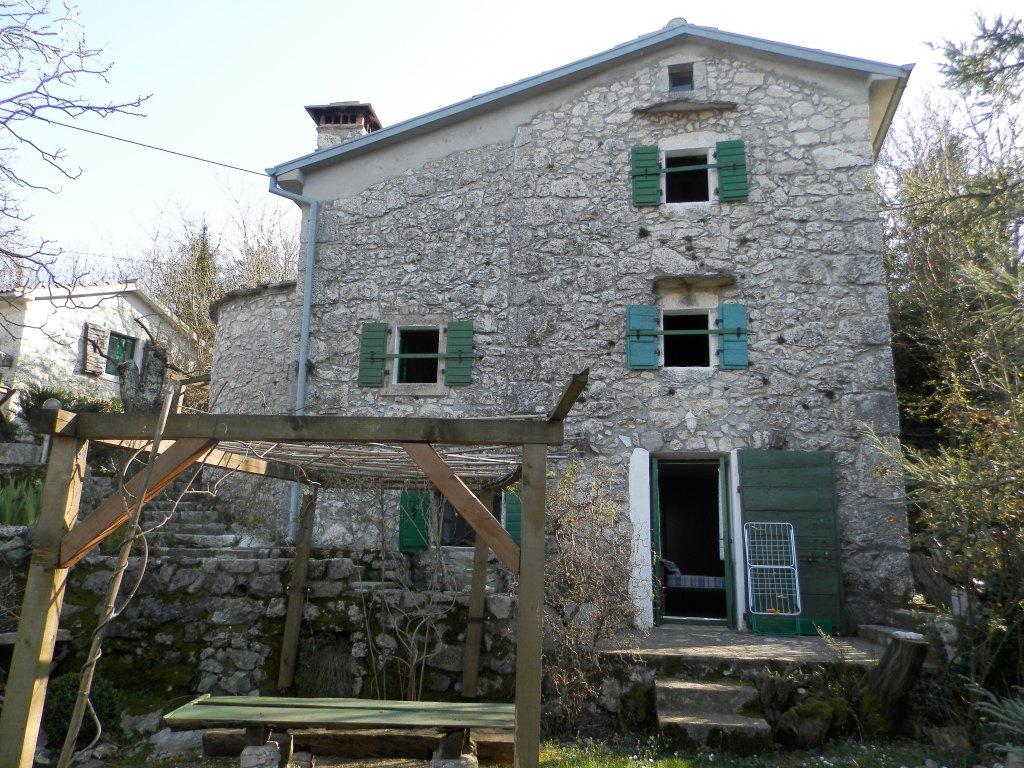 2 kamene kuće stilski uređene/ 2 stone houses refurbished, Brsec € 360.000