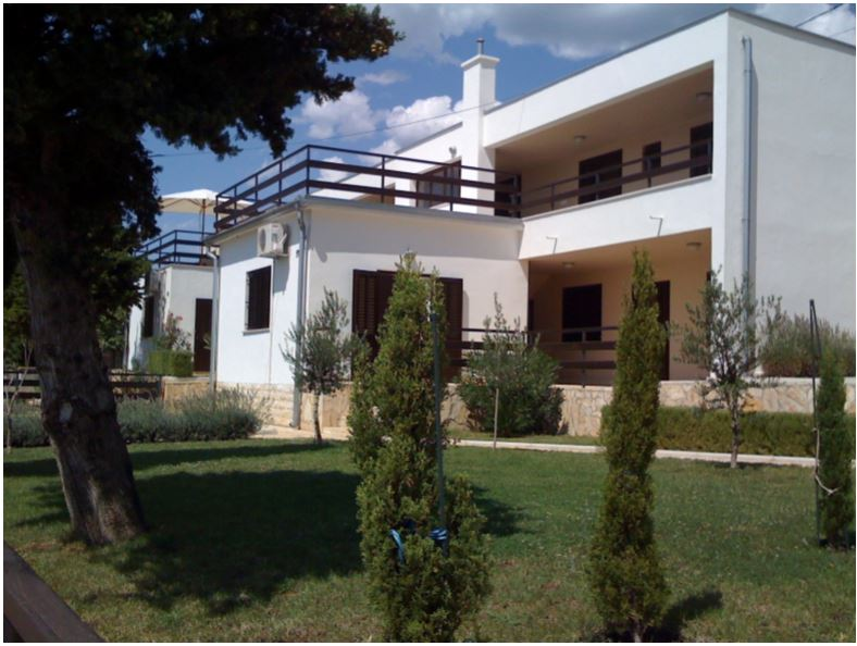 Dvojna kuca u Karlobagu/Semi detached house in Karlobag, 150m2, € 250.000