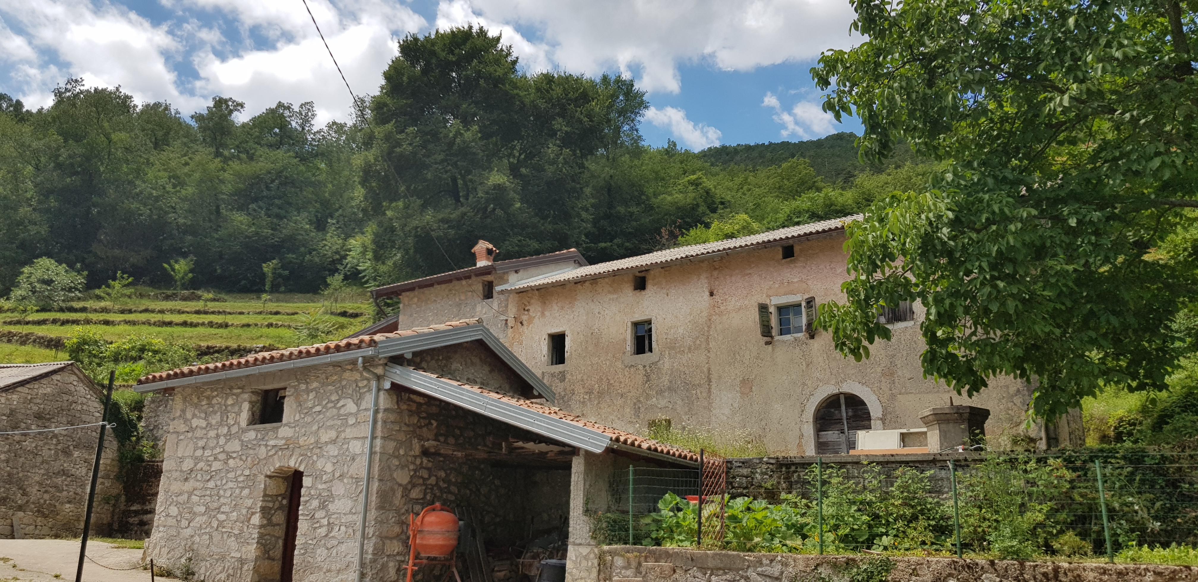 Stara kamena kuća u Lovranskoj Dragi/Old stone house in Lovranska Draga