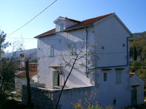 Renovirana kamena kuća/Renovated stone house, Zagorje-Brseč,
