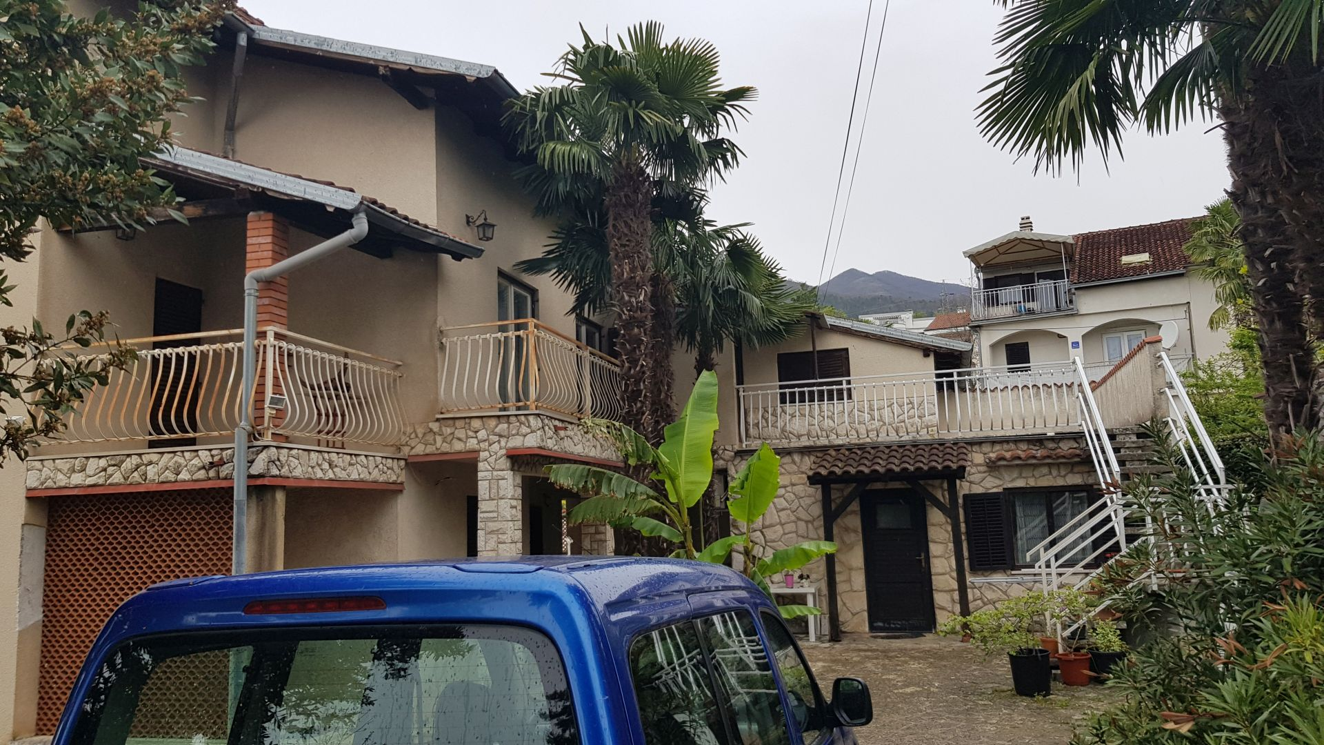 Kuća/House, Ičići, 300m2, vrt/garden 900m2, pogled na more/seaview, 250.000 €